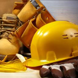 Praca wbudownictwie: Menedżerowie ipracownicy przebierają wofertach